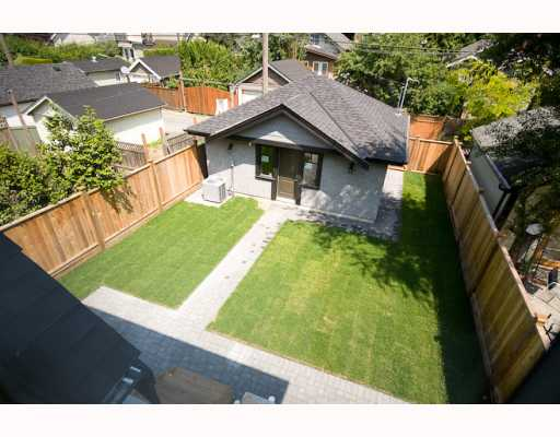 Photo 10: 2929 W 13TH Avenue in Vancouver: Kitsilano House for sale (Vancouver West)  : MLS® # V772131