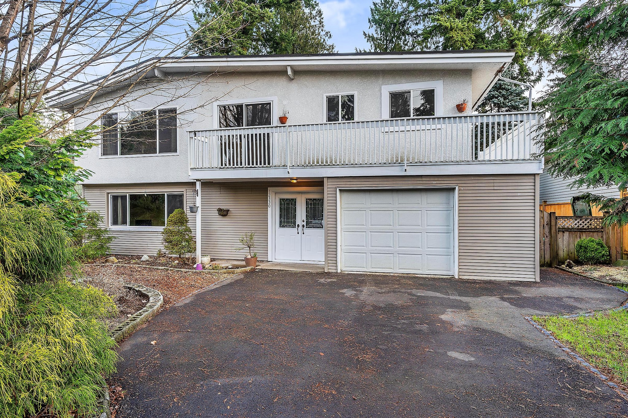 FEATURED LISTING: 12330 CARLTON Street Maple Ridge