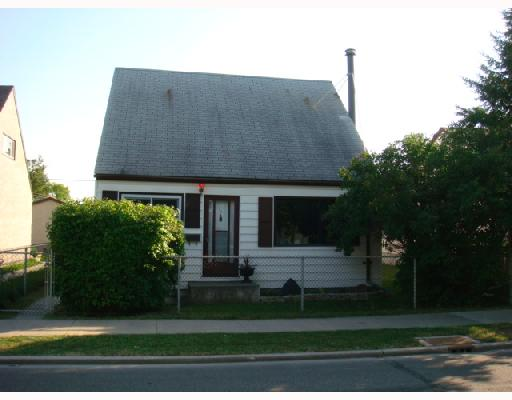 Main Photo: 610 CHALMERS Avenue in WINNIPEG: East Kildonan Residential for sale (North East Winnipeg)  : MLS(r) # 2815098