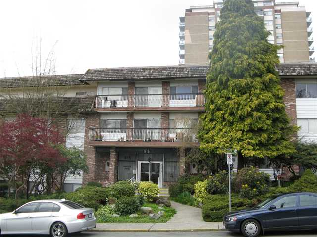 "Main Photo: 105 815 4TH Avenue in New Westminster: Uptown NW Condo for sale in ""NORFOLK HOUSE"" : MLS(r) # V819869"