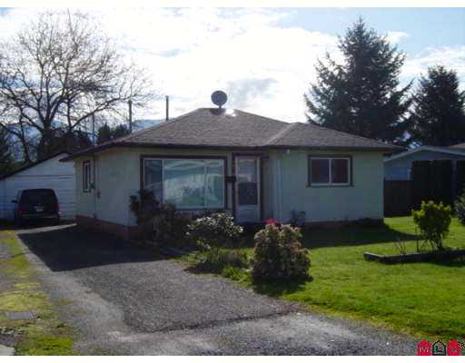 Main Photo: 9616 COOTE ST in Chilliwack: Chilliwack E Young-Yale House for sale : MLS(r) # H2501205