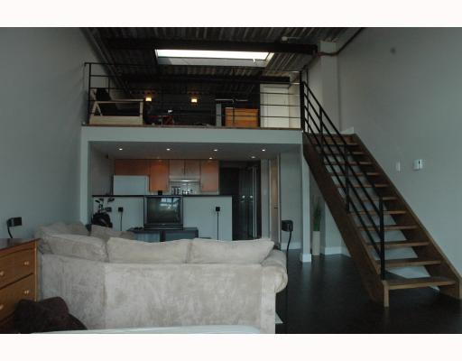 "Photo 3: 408 338 W 8TH Avenue in Vancouver: Mount Pleasant VW Condo for sale in ""LOFT 338"" (Vancouver West)  : MLS(r) # V770908"