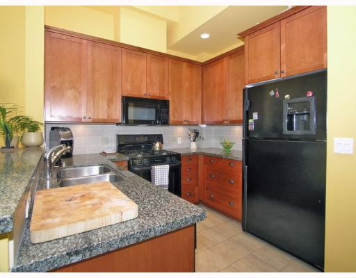 "Photo 2: 3115 CAPILANO Crescent in North Vancouver: Capilano NV Townhouse for sale in ""CAPILANO RIDGE"" : MLS(r) # V787873"