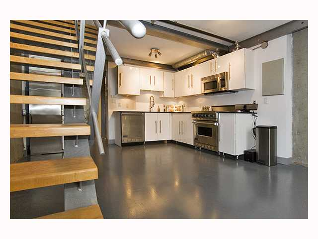 "Main Photo: 510 1529 W 6TH Avenue in Vancouver: False Creek Condo for sale in ""WSIX"" (Vancouver West)  : MLS® # V818307"
