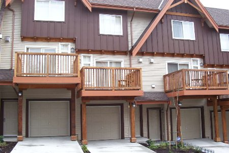 Main Photo: #55 - 2000 Panorama Drive: Condo for sale (Heritage Woods PM)  : MLS(r) # V509676