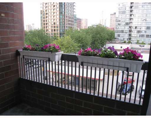 "Photo 9: 608 950 DRAKE Street in Vancouver: Downtown VW Condo for sale in ""ANCHOR POINT II"" (Vancouver West)  : MLS(r) # V771024"