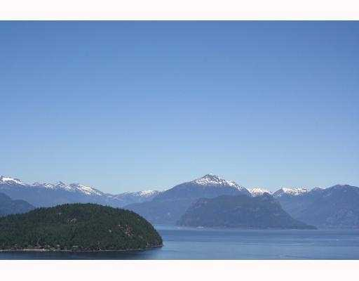 "Main Photo: 86 8704 SEASCAPE Drive in West Vancouver: Howe Sound Townhouse for sale in ""SEASCAPES"" : MLS®# V775471"