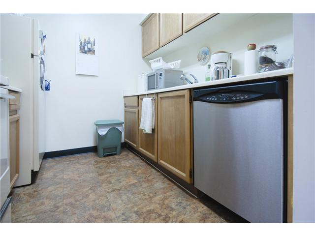 "Photo 4: 304 1422 E 3RD Avenue in Vancouver: Grandview VE Condo  in ""LA CONTESSA"" (Vancouver East)  : MLS(r) # V835722"