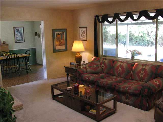 Photo 4: EL CAJON House for sale : 3 bedrooms : 255 Garden Grove