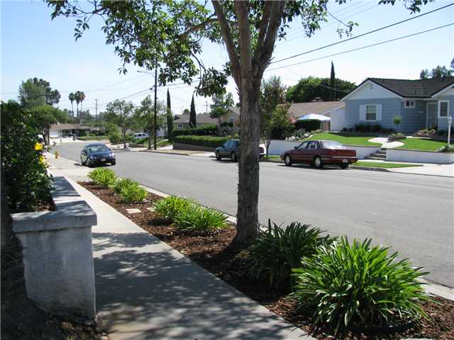 Photo 2: EL CAJON House for sale : 3 bedrooms : 255 Garden Grove