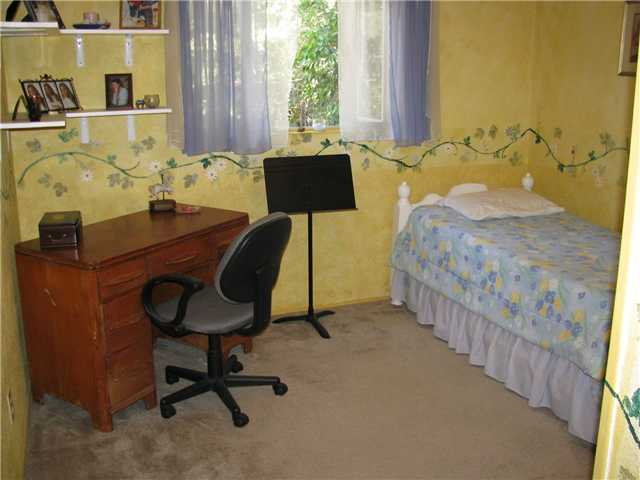 Photo 6: EL CAJON House for sale : 3 bedrooms : 255 Garden Grove