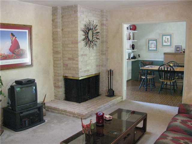 Photo 3: EL CAJON House for sale : 3 bedrooms : 255 Garden Grove