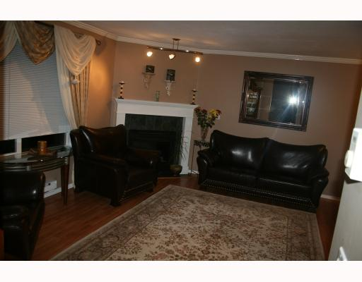 "Photo 3: 24 2488 PITT RIVER Road in Port_Coquitlam: Mary Hill Townhouse for sale in ""NEWCASTLE ESTATES"" (Port Coquitlam)  : MLS(r) # V743029"