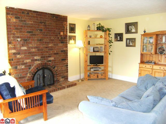 "Photo 2: 11123 BEVERLY Drive in Delta: Nordel House for sale in ""ANNIEVILLE"" (N. Delta)  : MLS(r) # F1024092"