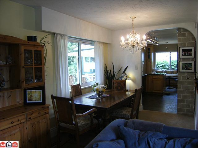 "Photo 4: 11123 BEVERLY Drive in Delta: Nordel House for sale in ""ANNIEVILLE"" (N. Delta)  : MLS(r) # F1024092"