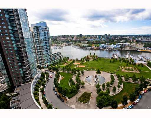 "Main Photo: 2103 1495 RICHARDS Street in Vancouver: False Creek North Condo for sale in ""AZURA II"" (Vancouver West)  : MLS(r) # V772485"