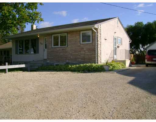 Main Photo: 228 GRASSIE Boulevard in WINNIPEG: North Kildonan Residential for sale (North East Winnipeg)  : MLS® # 2918390