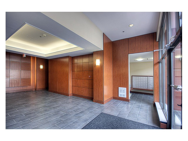 Photo 2: 1102 814 ROYAL Avenue in New Westminster: Downtown NW Condo for sale : MLS(r) # V849770