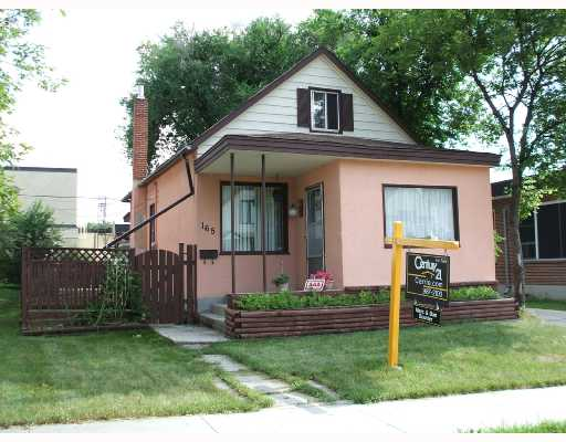 Main Photo: 165 PERTH Avenue in WINNIPEG: West Kildonan / Garden City Single Family Detached for sale (North West Winnipeg)  : MLS® # 2712981