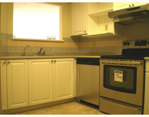 "Photo 5: # 108 - 5250 Victory Street in Burnaby: Metrotown Condo for sale in ""PROMENADE"" (Burnaby South)  : MLS(r) # V788840"