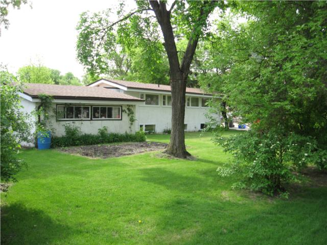 Photo 6:  in WINNIPEG: West Kildonan / Garden City Residential for sale (North West Winnipeg)  : MLS(r) # 1009756