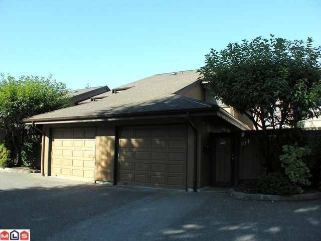 "Main Photo: 104 2533 MARCET Court in Abbotsford: Abbotsford East Townhouse for sale in ""OLD YALE HEIGHTS"" : MLS® # F1022838"
