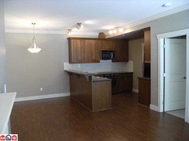 "Photo 3: 107 15368 17A Avenue in Surrey: King George Corridor Condo for sale in ""Ocean Wynde"" (South Surrey White Rock)  : MLS® # F1013181"