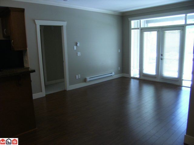 "Photo 5: 107 15368 17A Avenue in Surrey: King George Corridor Condo for sale in ""Ocean Wynde"" (South Surrey White Rock)  : MLS® # F1013181"