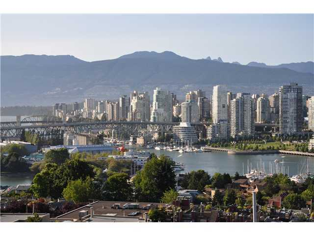 "Main Photo: 808 1068 W BROADWAY in Vancouver: Fairview VW Condo for sale in ""THE ZONE"" (Vancouver West)  : MLS® # V852760"