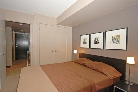 Photo 7: 11 8 Park Road in Toronto: Condo for sale (C09: TORONTO)  : MLS® # C1975530