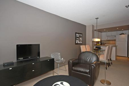 Photo 4: 11 8 Park Road in Toronto: Condo for sale (C09: TORONTO)  : MLS® # C1975530