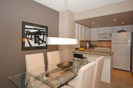 Photo 2: 11 8 Park Road in Toronto: Condo for sale (C09: TORONTO)  : MLS® # C1975530