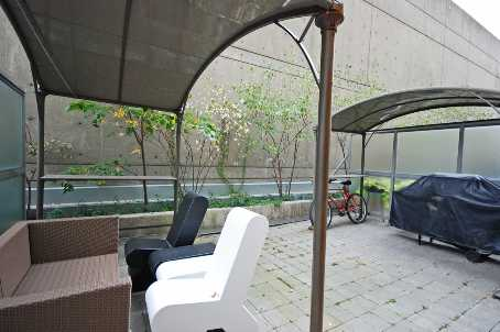 Photo 9: 11 8 Park Road in Toronto: Condo for sale (C09: TORONTO)  : MLS® # C1975530