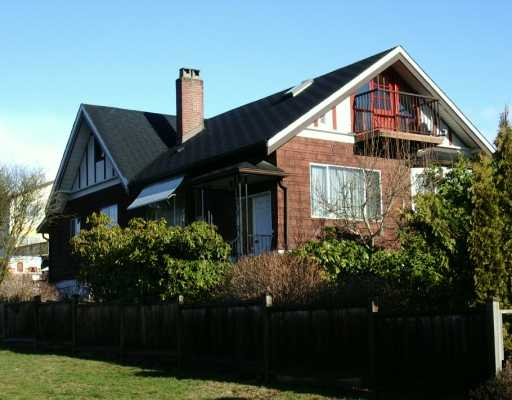 Main Photo: 606 E 5TH Street in North Vancouver: Queensbury House for sale : MLS® # V624907