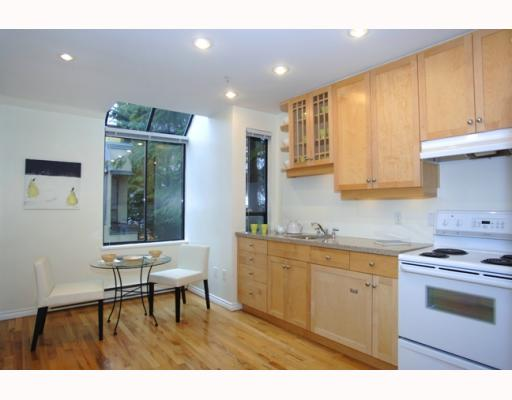 Photo 2: 2 1549 HARO Street in Vancouver: West End VW Townhouse for sale (Vancouver West)  : MLS® # V761442