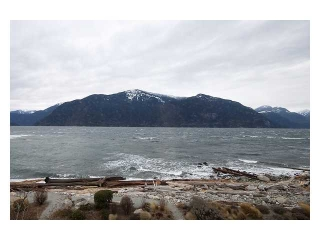 "Main Photo: 17 BEACH Drive in West Vancouver: Furry Creek Townhouse for sale in ""OLIVER'S LANDING"" : MLS® # V858787"