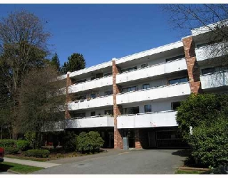 "Main Photo: 302 360 E 2ND Street in North Vancouver: Lower Lonsdale Condo for sale in ""EMERALD MANOR"" : MLS® # V807771"
