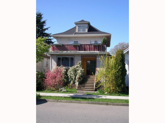 Main Photo: 2829 WOODLAND Drive in Vancouver: Grandview VE House for sale (Vancouver East)  : MLS® # V817003