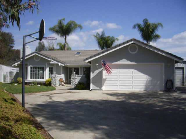 Main Photo: NORTH ESCONDIDO Residential for sale : 3 bedrooms : 702 Sheridan in Escondido