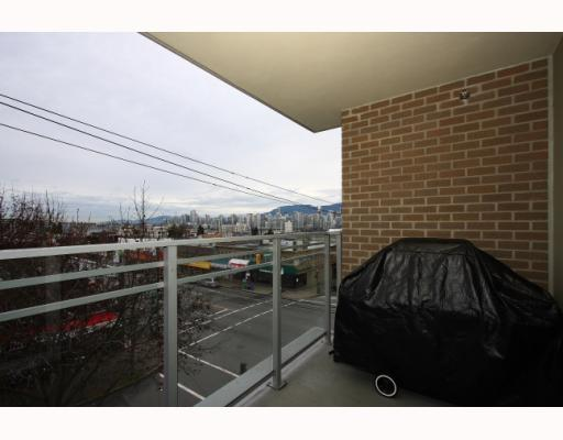 "Photo 7: 304 2520 MANITOBA Street in Vancouver: Mount Pleasant VW Condo  in ""THE VUE"" (Vancouver West)  : MLS(r) # V803043"