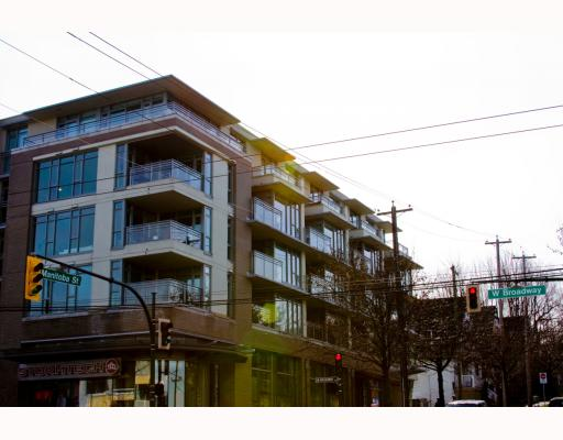 "Photo 9: 304 2520 MANITOBA Street in Vancouver: Mount Pleasant VW Condo  in ""THE VUE"" (Vancouver West)  : MLS(r) # V803043"