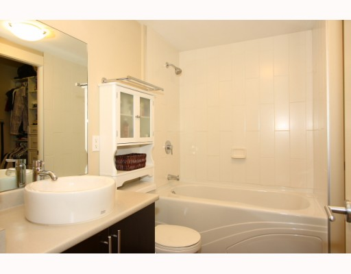 "Photo 5: 304 2520 MANITOBA Street in Vancouver: Mount Pleasant VW Condo  in ""THE VUE"" (Vancouver West)  : MLS(r) # V803043"