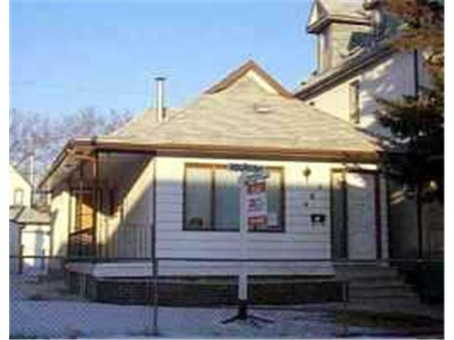 Main Photo: 462 YOUNG Street in WINNIPEG: West End / Wolseley Residential for sale (West Winnipeg)  : MLS®# 9903159