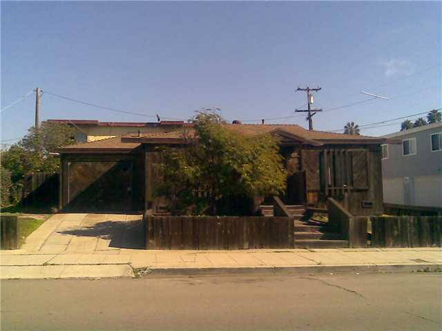 Main Photo: PACIFIC BEACH House for sale : 2 bedrooms : 5075 Mission