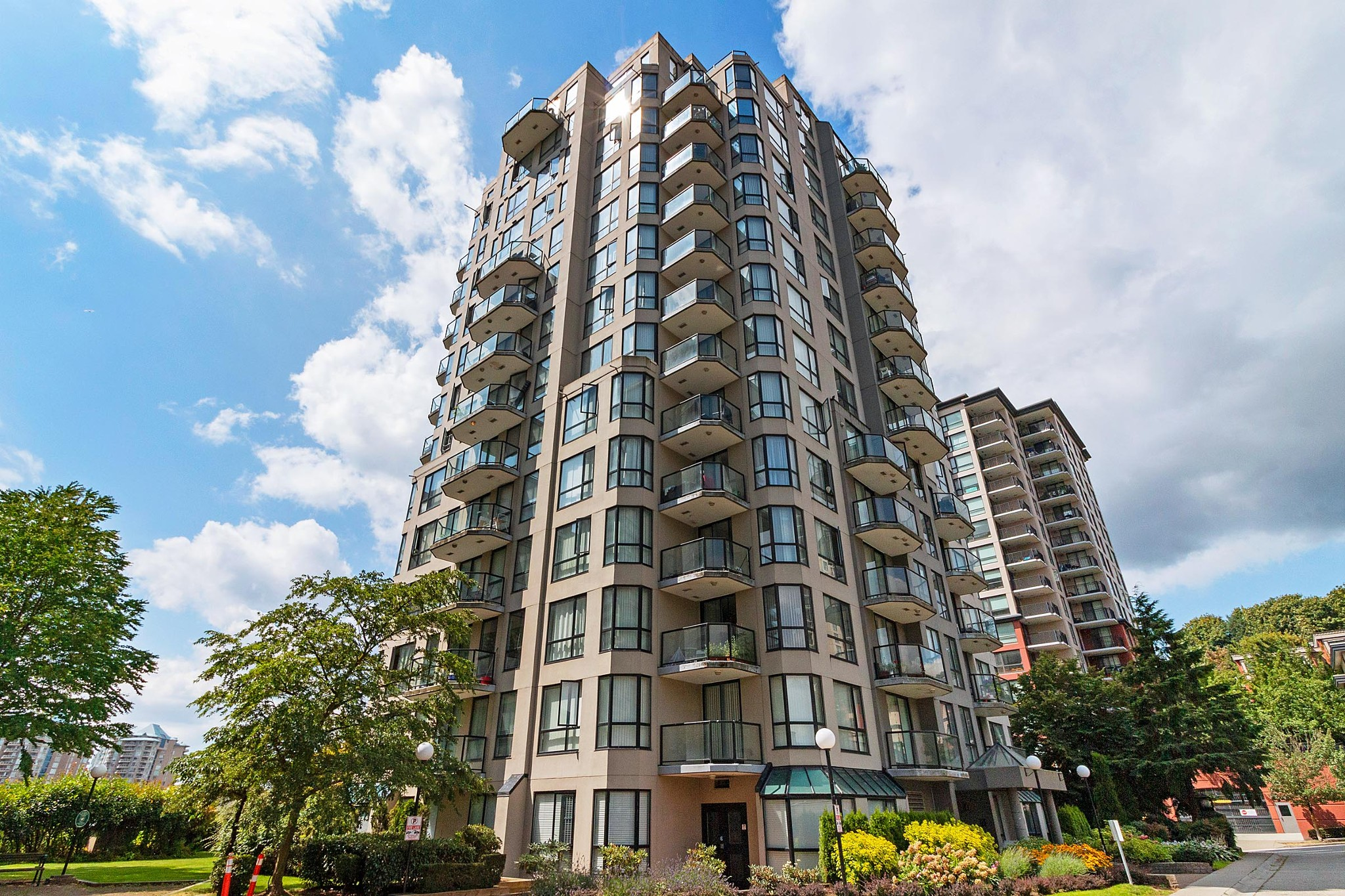 FEATURED LISTING: 602 - 838 AGNES Street New Westminster