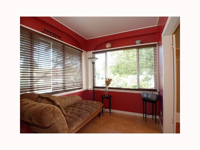 Photo 7: 736 10TH Street in New Westminster: Moody Park House for sale : MLS(r) # V791666
