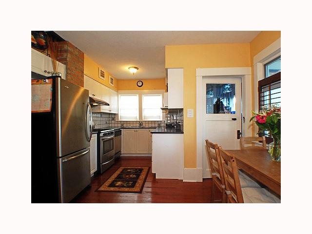 Photo 5: 736 10TH Street in New Westminster: Moody Park House for sale : MLS(r) # V791666