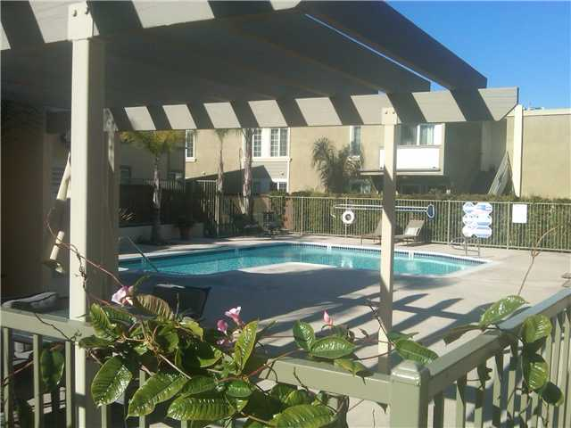 Photo 5: CLAIREMONT Condo for sale : 2 bedrooms : 5404 Balboa Arms Drive #454 in San Diego