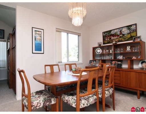 "Photo 4: 146 4001 OLD CLAYBURN Road in Abbotsford: Abbotsford East Townhouse for sale in ""CEDAR SPRINGS"" : MLS(r) # F2827073"
