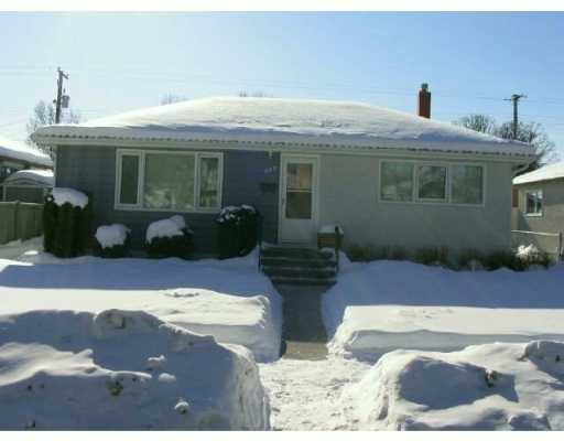 Main Photo:  in WINNIPEG: East Kildonan Single Family Detached for sale (North East Winnipeg)  : MLS® # 2701702